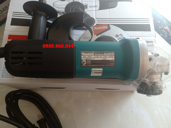 may-mai-makita-9558HN